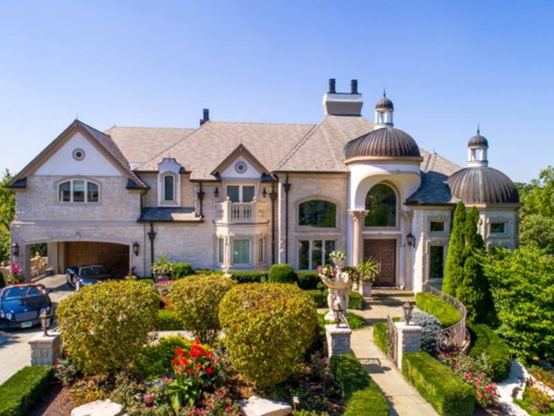 Riverside Mansion With Infinity Pool Tennis Court In