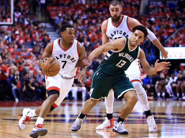 Bucks overwhelm Raptors 104-77, take 2-1 series lead