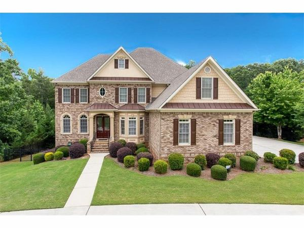 5 douglasville homes with swimming pools douglasville for Home builders in douglasville ga