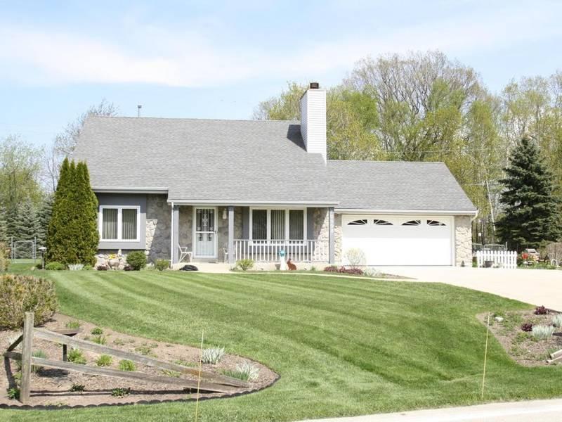 Oak Creek Wow House Great 3 Bedroom For Sale Oak Creek Wi Patch