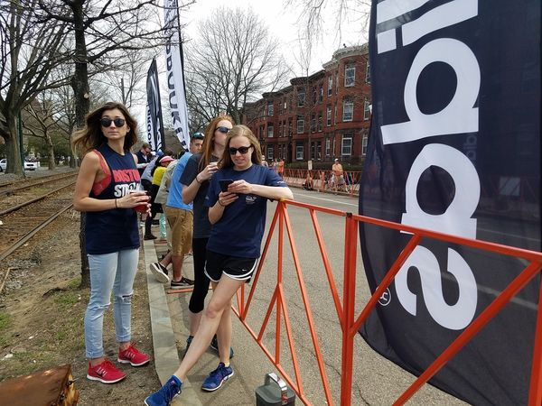 Kenyans rule men's, women's races at Boston Marathon