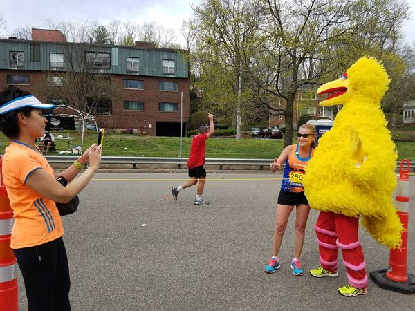 Boston Marathon attendee motivates runners with Patriots' Super Bowl comeback