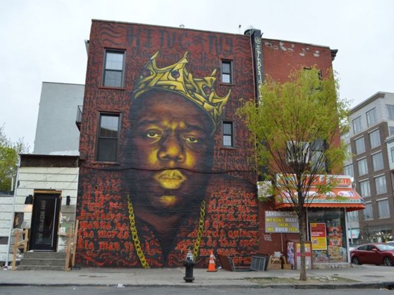 Biggie news for clinton hill rapper gets his own for Biggie smalls mural brooklyn