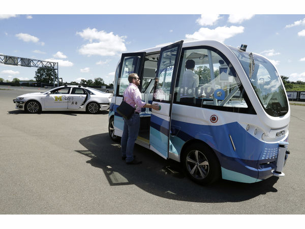 Driverless Shuttles Debut At University Of Michigan This Fall
