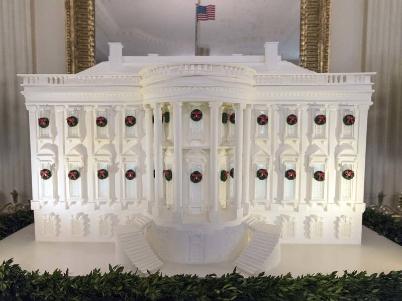 white house christmas decorations melania goes classic photos 0 - White House Christmas Decorations