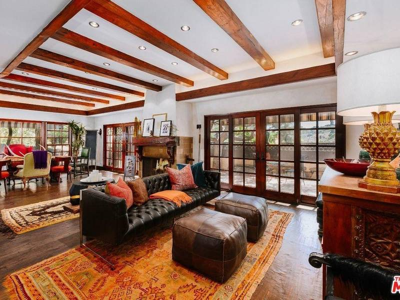 Peek Inside Cher's Beverly Hills 'Retreat' On Sale For $2.5 Mill-1