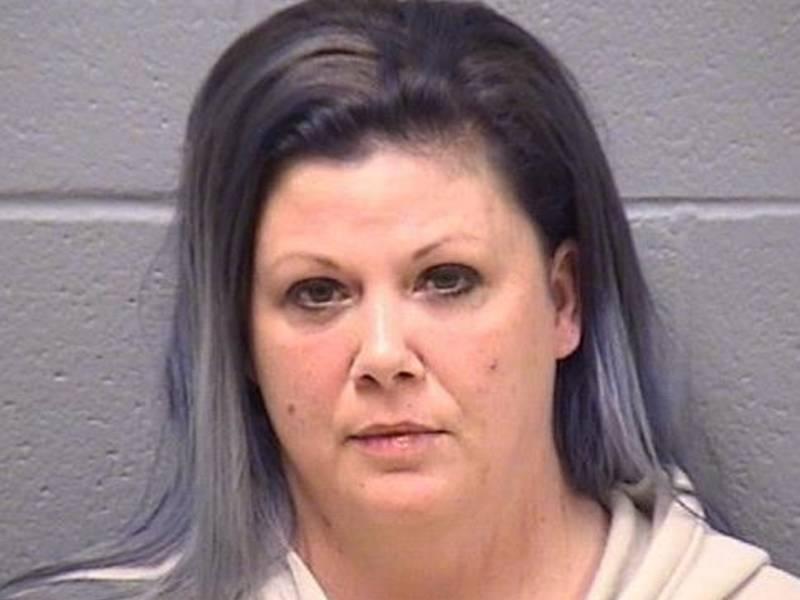 Joliet Woman Stabs Man In Chest, Joliet Police Say
