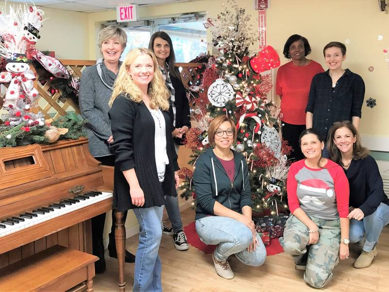 Students make holidays brighter for woodstock nursing home woodstock ga patch for Chattahoochee tech interior design