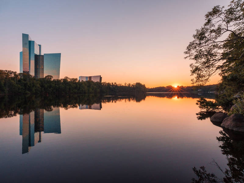 Mohegan Sun Receives 'Best Casino Hotel' Honor