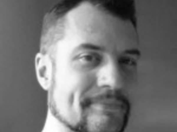 Obituary: Nicholas Mackenzie, 39, Of Avon