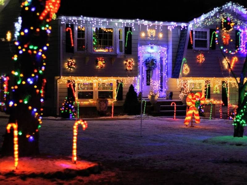 20 years and counting for jaw dropping tewksbury light display