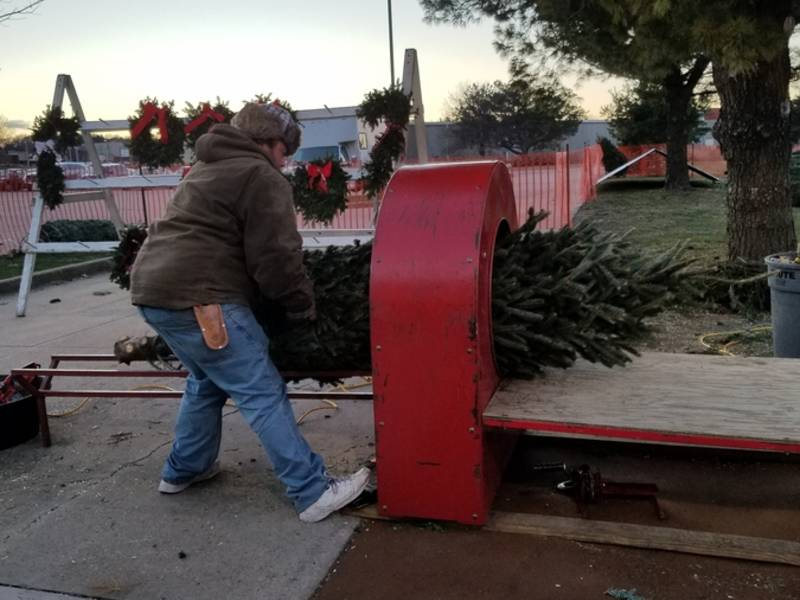 west des moines  clive customers flocking to christmas