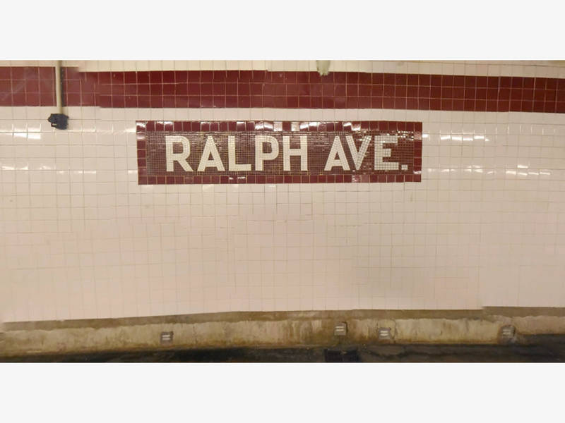 Straphanger waves gun on brooklyn c train cops say bed for Bed stuy fish fry nostrand ave