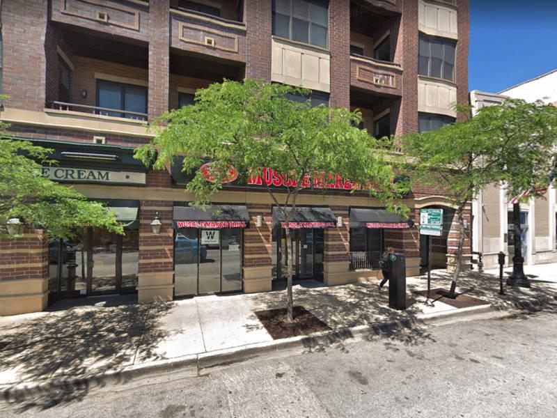 Taco Bell Restaurants Near Wrigley Field