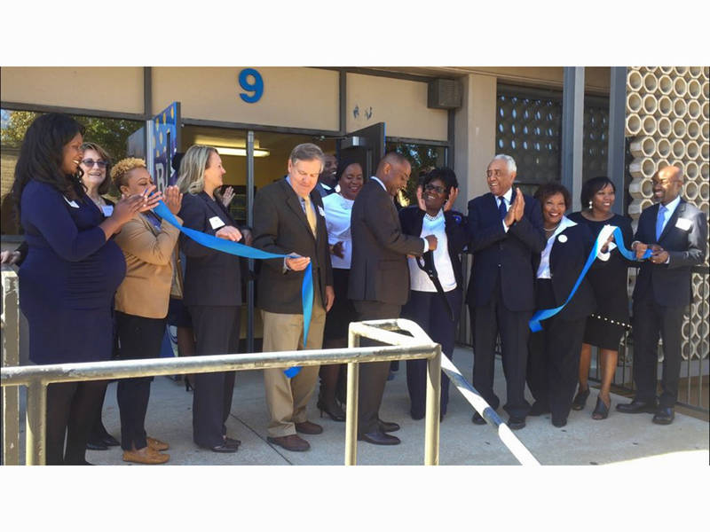 Riverview gardens high opens new school based health - Riverview gardens school district jobs ...