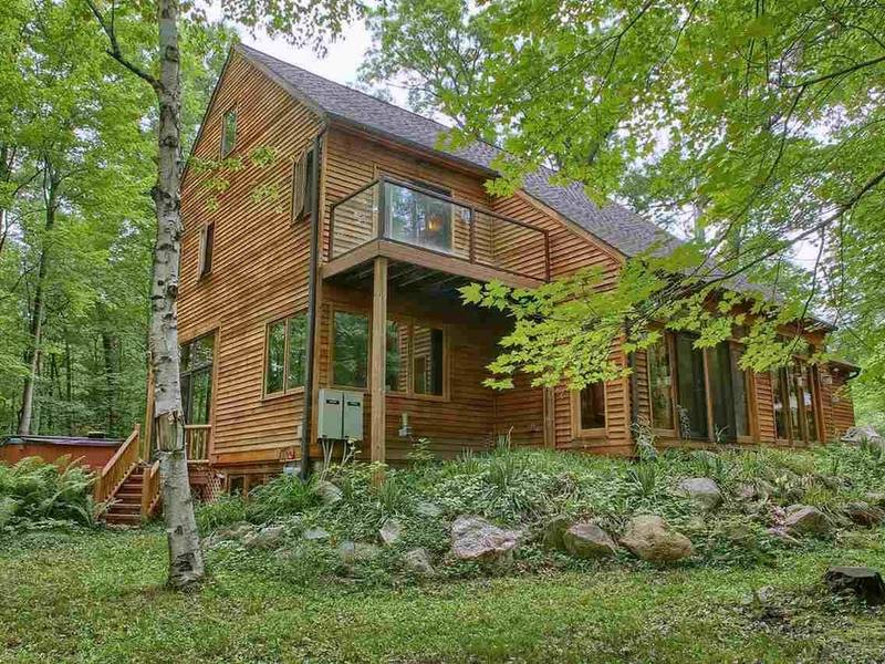 Lake House In The Woods Asks 485999 0