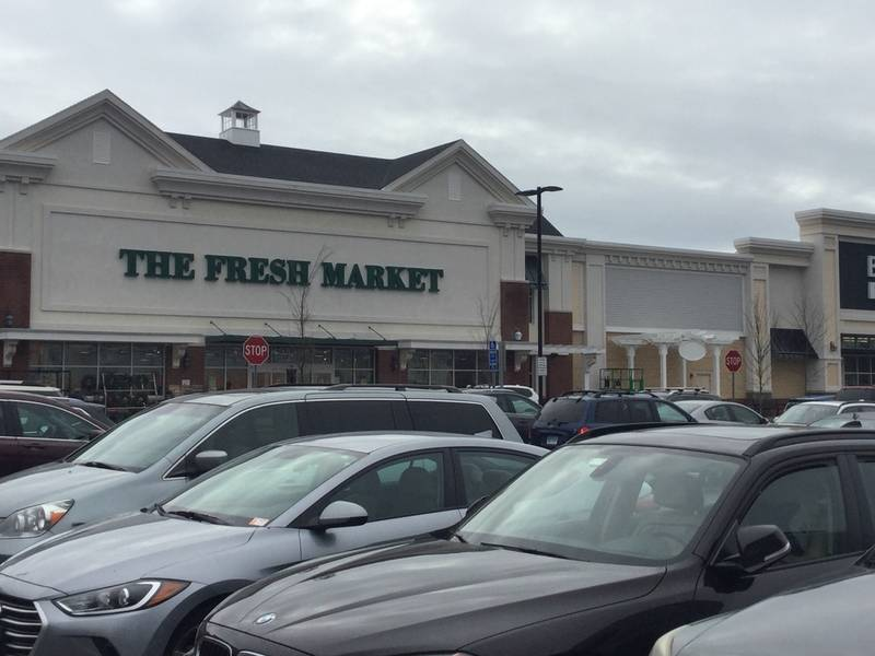 New Stores To Open Including Restaurant At Guilford Commons