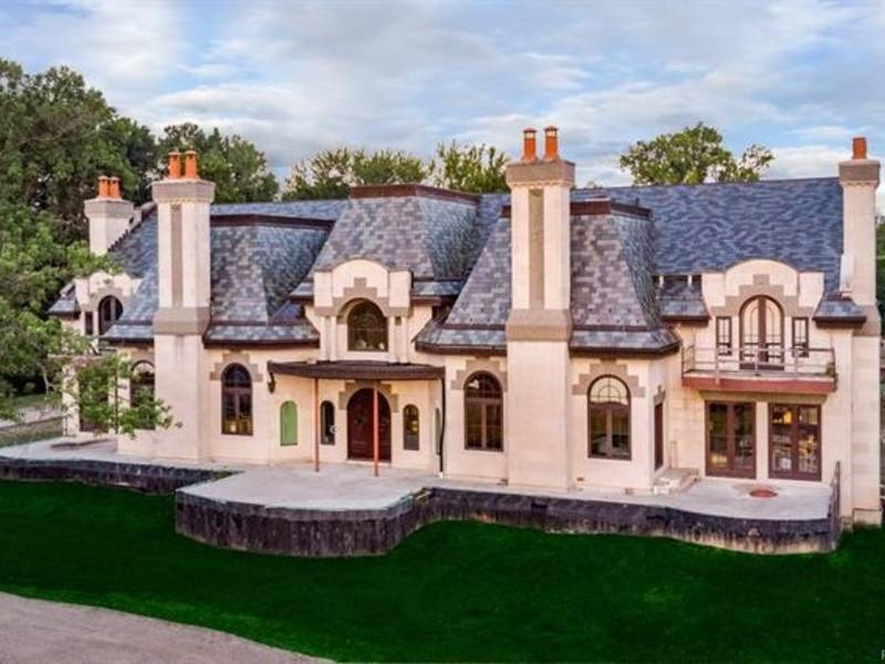 this 29m mansion is michigan 39 s most expensive home for. Black Bedroom Furniture Sets. Home Design Ideas