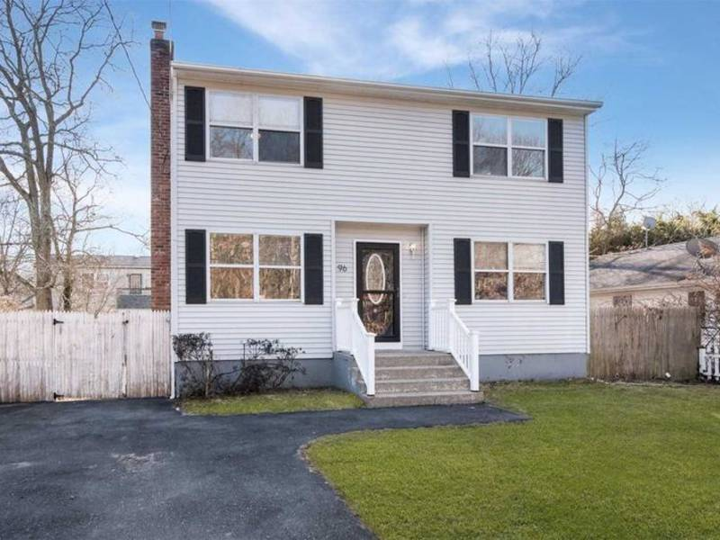 5 New Homes For Sale In The Shirley Mastic Area Shirley Ny Patch