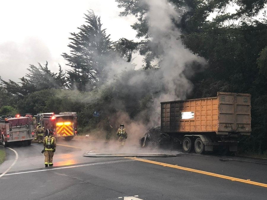 Commercial Truck Caught Fire On Sr 35 Creating Spectacle Chp Redwood City Ca Patch