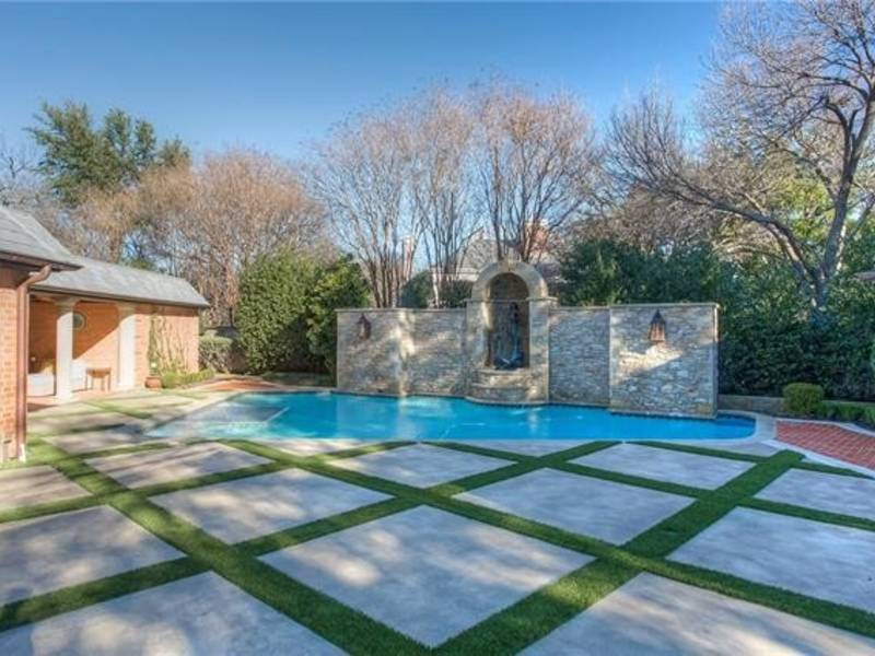 Fort Worth Home Features Large Outdoor Entertainment Area