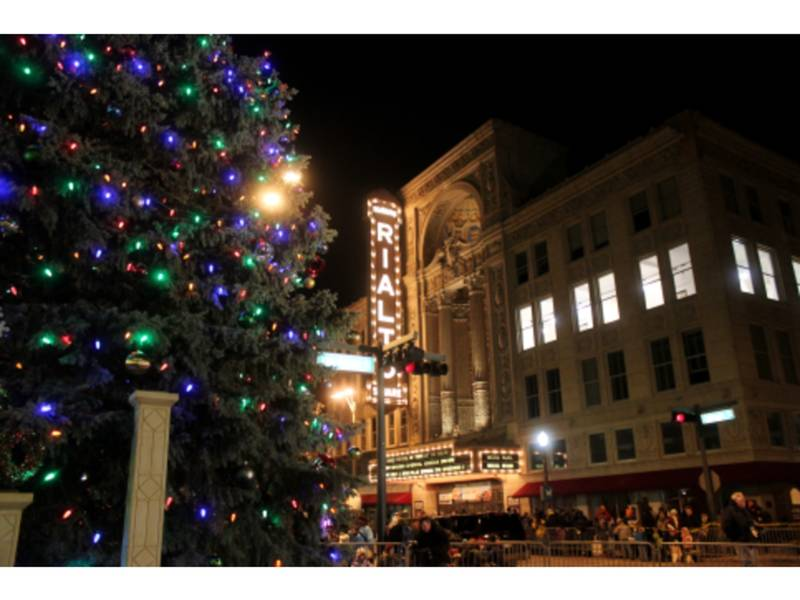 joliet christmas tree preparation begins nov 15