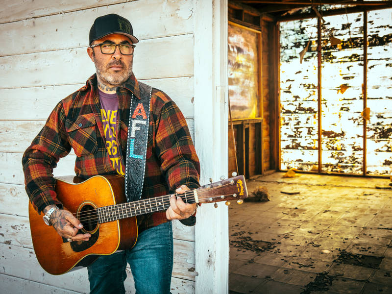 Country Music Star Aaron Lewis Coming To Rialto Joliet Il Patch