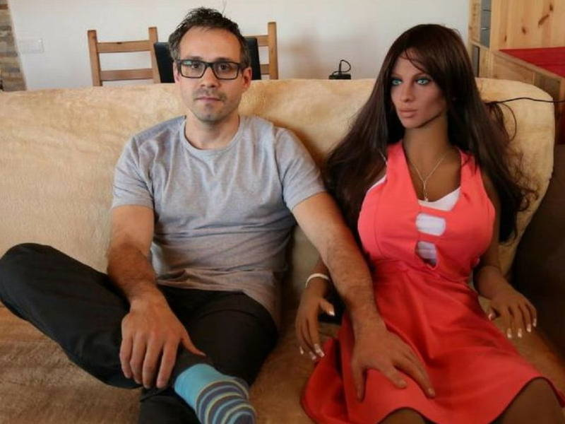 Inventor Hopes to Father Children With His Sex Robot