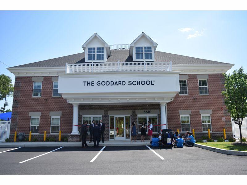 The goddard school 39 s dynamic learning through play - Mostardi s newtown square garden ...