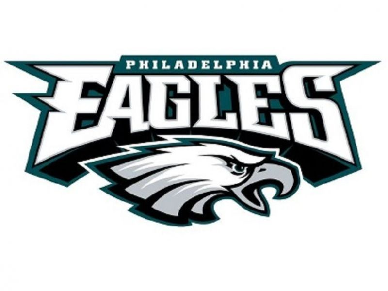 4 eagles players raise fists in protest during anthem before monday rh patch com philadelphia eagles football clipart philadelphia eagles clipart logo