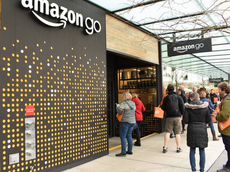 Amazon to open no checkout store in chicago chicago il for Amazon design shop