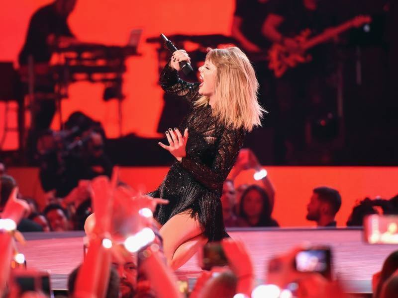 Taylor Swift Tour Dates Include Rose Bowl In Pasadena