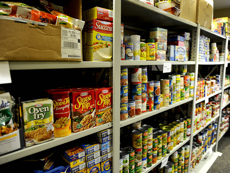 State Lawmakers Host Thanksgiving Food Drive For Area Families