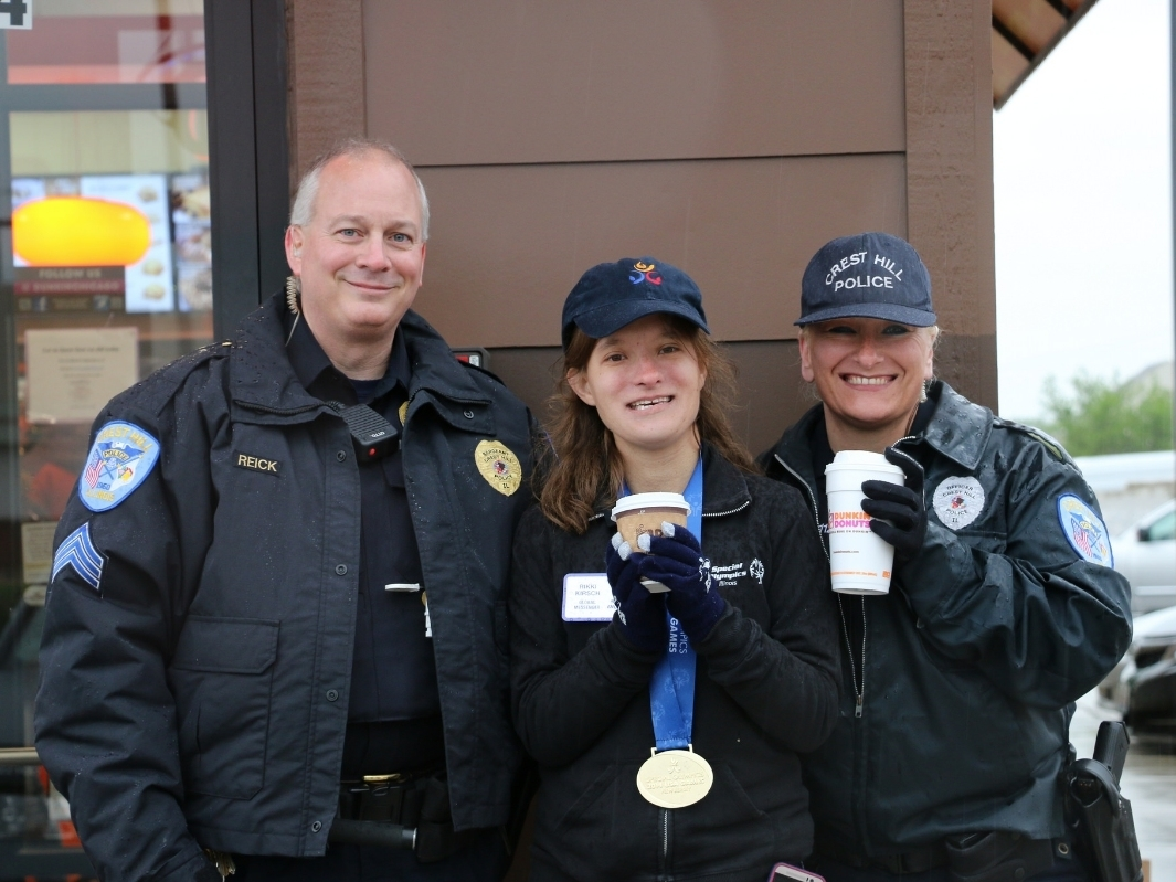 Tinley Park Police Take To Roof For Special Olympics