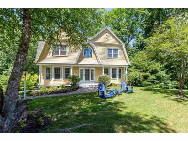 homes for sale in exeter nh nearby real estate guide. Black Bedroom Furniture Sets. Home Design Ideas