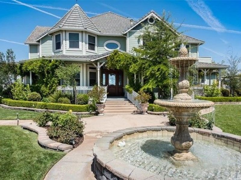 Wow house million custom victorian in temecula for Custom victorian homes