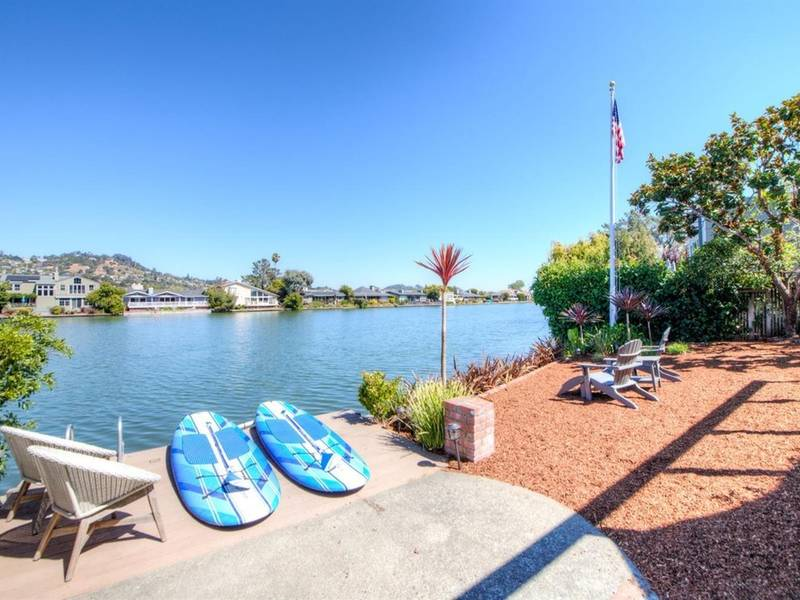 ... Lovely Waterfront Larkspur Home With Deck, Great Views 0 ...