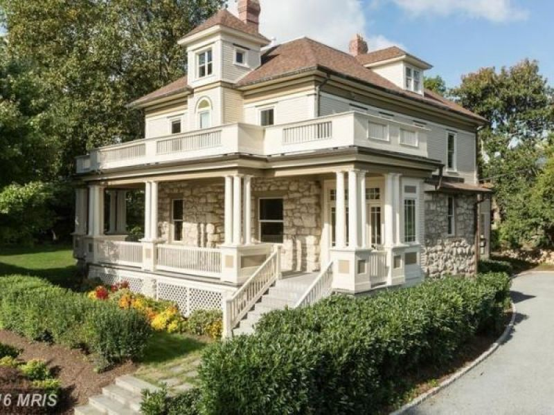 Amazing Farmette, Historic Colonial, Hilltop Retreat: Maryland WOW Houses
