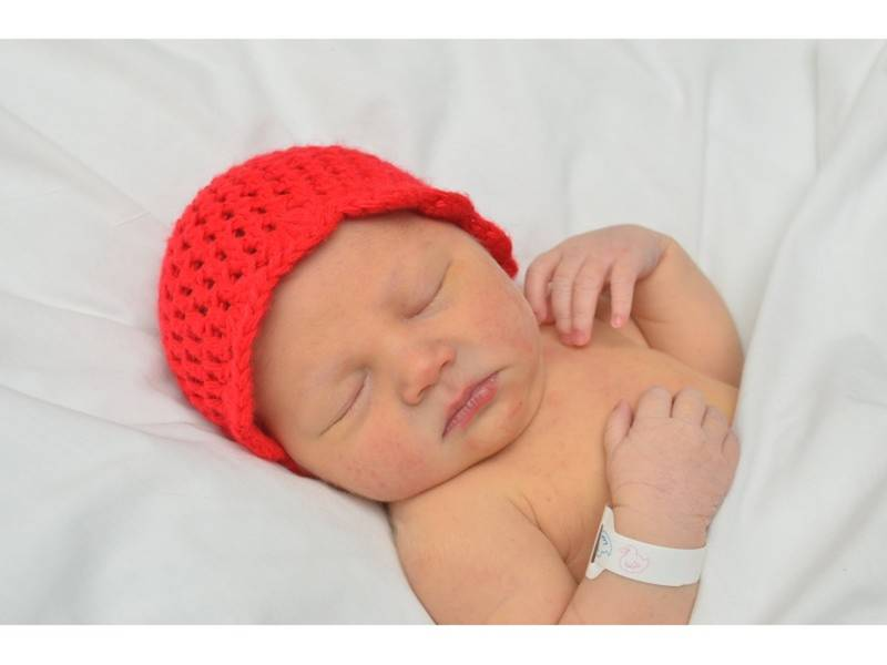 0e1d1d7ba45 Red Hats For Newborns  Volunteers Needed to Knit Hats For Babies ...