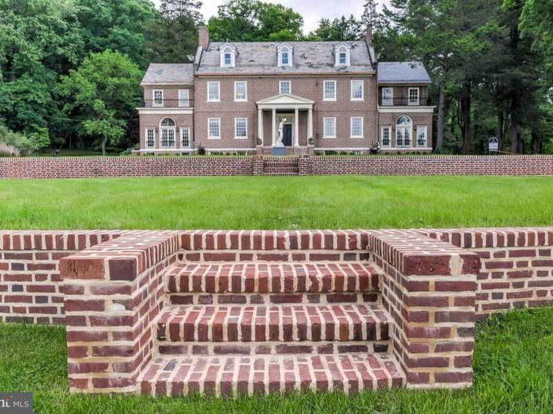 Maryland WOW Houses: Mushroom Mansion, Storied Estate, Waterfront