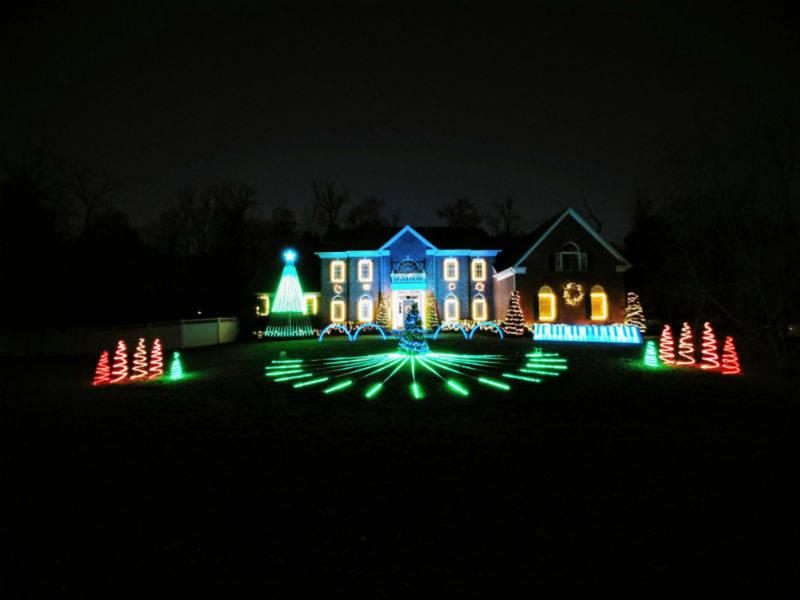 Cedar Lane Spectacular Christmas Light Show Benefits Good Cause