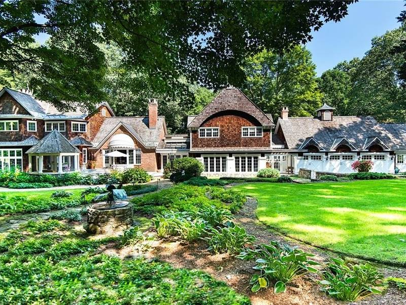 Shingle-Style Country House On 9 Westchester Acres
