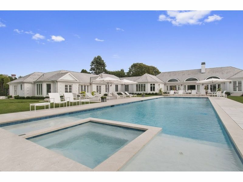 Homes For Sale Long Island: 8 Long Island Homes For Sale With Ridiculously Nice Pools