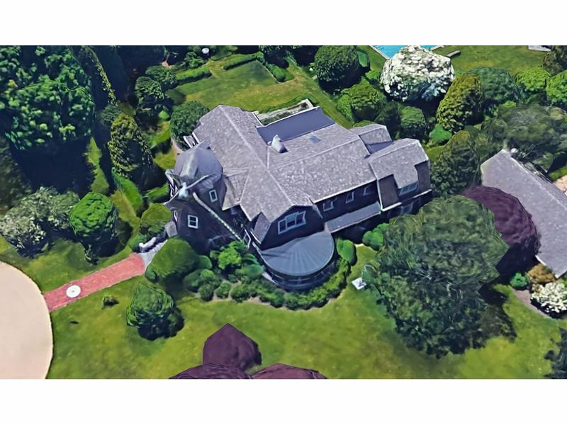 robert downey jr buys historic windmill cottage on long island east hampton ny patch. Black Bedroom Furniture Sets. Home Design Ideas