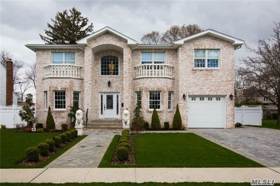 Homes For Sale In Wantagh Long Island