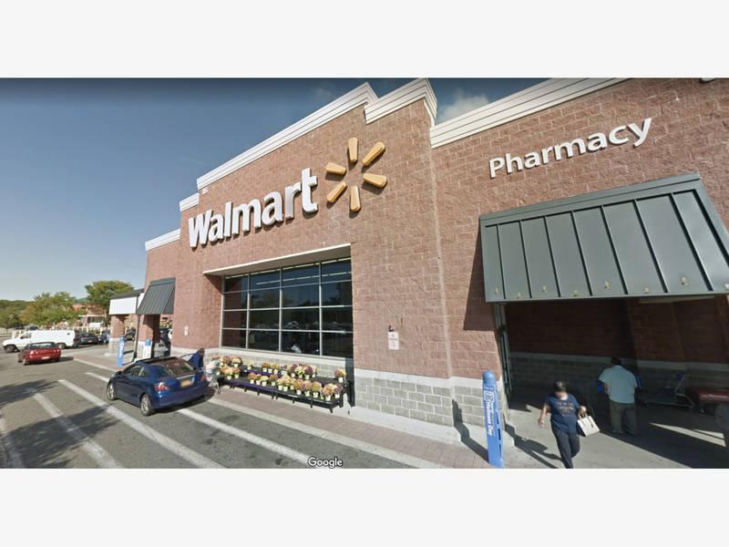647197b64ef Gun Scare at LI Walmart Sends Customers Running For Exits