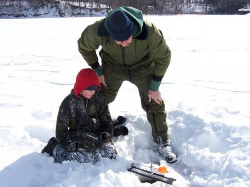 Put safety first when ice fishing in westchester dec for Nys fishing seasons