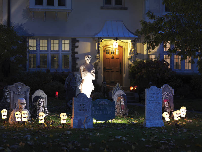 Halloween Lighting Tips Halloween Decorations Safety Tips For Outdoor Displays Halloween And Beyond Lumenari Ela Smart Lighting Safety Tips For Outdoor Displays Halloween And Beyond Pearl River