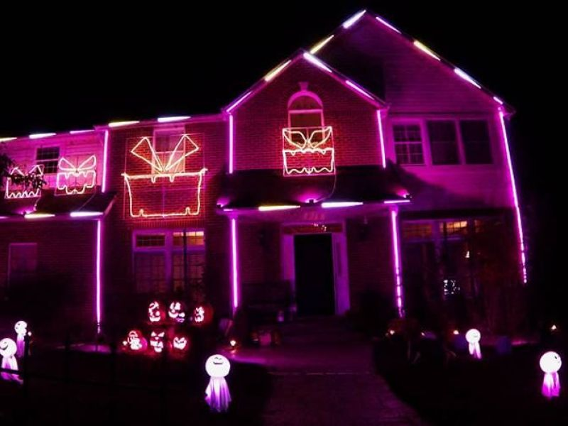 singing halloween house will rock out to radioactive