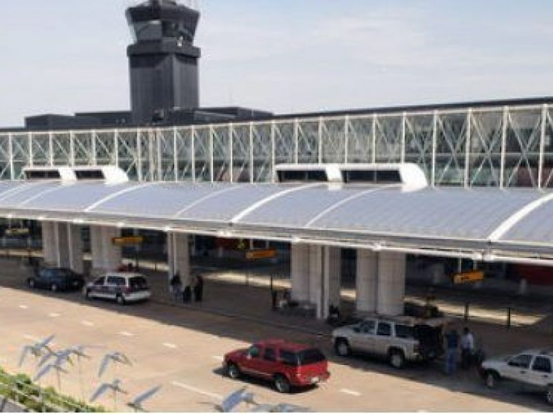 Apr 11, · BWI Airport Marriott: Great location to BWI, park-n-fly is great - See traveler reviews, candid photos, and great deals for BWI Airport Marriott at TripAdvisor.4/4.